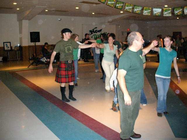 2007fri-ceili-dancing