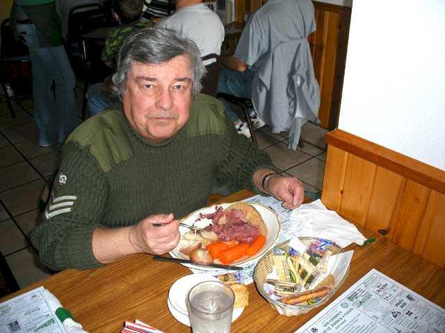 2007tues-cornbeef-dining