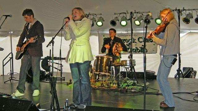 2009fest-risinggael